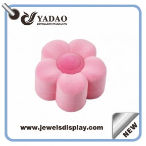 China High quality soft brushy velvet ring box cute pink flower shape ring package made in China with favorable price factory