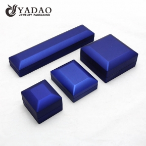 China Latest design LED jewelry box ring box bracelet box custom color with logo factory
