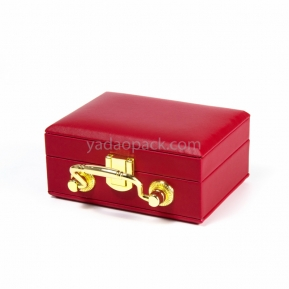 China Luxurious fashion-designed fine jewelry box for jewelry collection with metal clock and handle factory