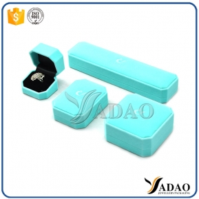 China Magical Adorable Bulk Sale handmade waorm Color plastic box for silver/gold rings/earrings/pendants, etc. factory