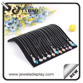 China Matte balck velvet pendant display tray for gem to show gem and diamond necklace made by Yadao. factory
