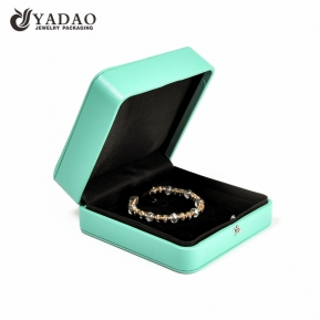 China Modern design luxury custom made gift bracelet box with logo printed factory