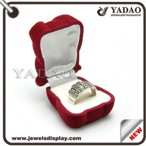 China Newest design flocking velvet ring jewelry box made in China factory