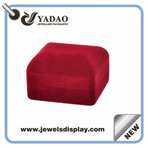 China Red simple design classical double flocking ring box factory