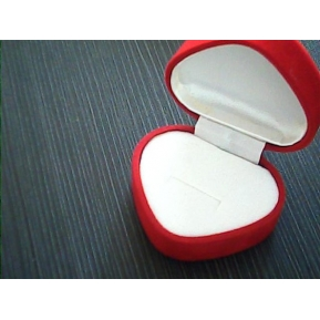 China Red velvet jewelry RING display BOXES for woman jewelry display props from China manufacturer factory