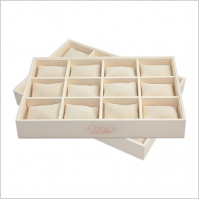 中国Warm creamy color pu leather display stand wooden jewelry display tray 4*3 pillow tray stackable jewelry display tray工場