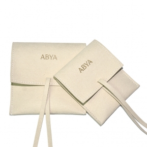 China Yadao Wholesales Microfiber Custom Logo 1.2mm Thickness Jewelry Beige String Pouch with Pad factory