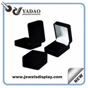 Čína black custom jewelry gift boxes with gold hot stamping logo and soft touch velvet insert packing box továrna