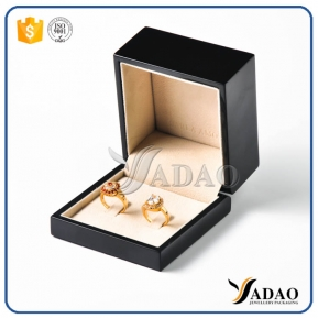 China custom MOQ 500 wholesale kind of luxury black glossy finish velvet inside wooden couple rings box for wedding factory