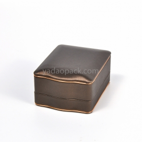 China jewelry pendant box with wave line with covered PU leather factory