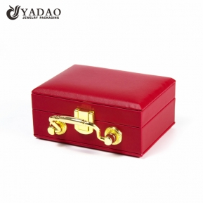 China lockable leatherette jewelry organizer jewelry set box customize with logo printed factory