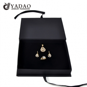 China paper jewelry box for ring pendant necklace wholesale  box with ribbon factory