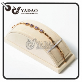 China pretty attractive presentable lovely significative estimable creamy white mdf display stands for bracelet/bangle/necklace factory