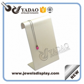 China pu leather cover bending metal jewelry display necklace/pendant display stand factory