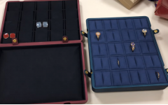 How to display your jewelry with tray?
